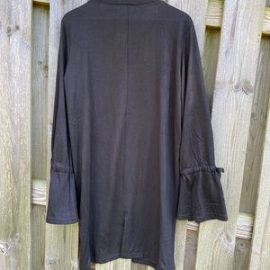 Suzanne Betro Sweaters - NWT black Suzanne Betro Tie-sleeve Open Cardigan